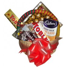Assorted Chocolate Lover Basket9