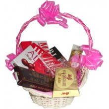 Assorted Chocolate Lover Basket15