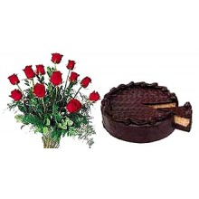 Rose With Chocolate Cake