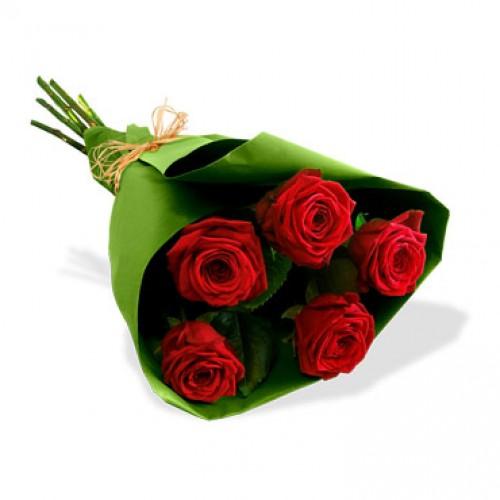 bouquet of 5 roses. Black Bedroom Furniture Sets. Home Design Ideas