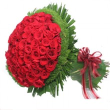 100 Romantic Red Roses