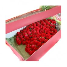 100 Roses Boxed