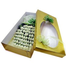 100 White Roses Boxed Bouquet